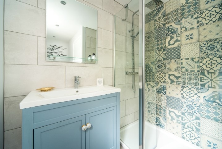 Behind-the-scenes-mediterranean-bathroom-design-emma-martin-interiors